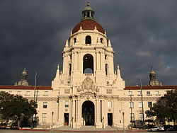 250px-Pasadena_City_Hall_2